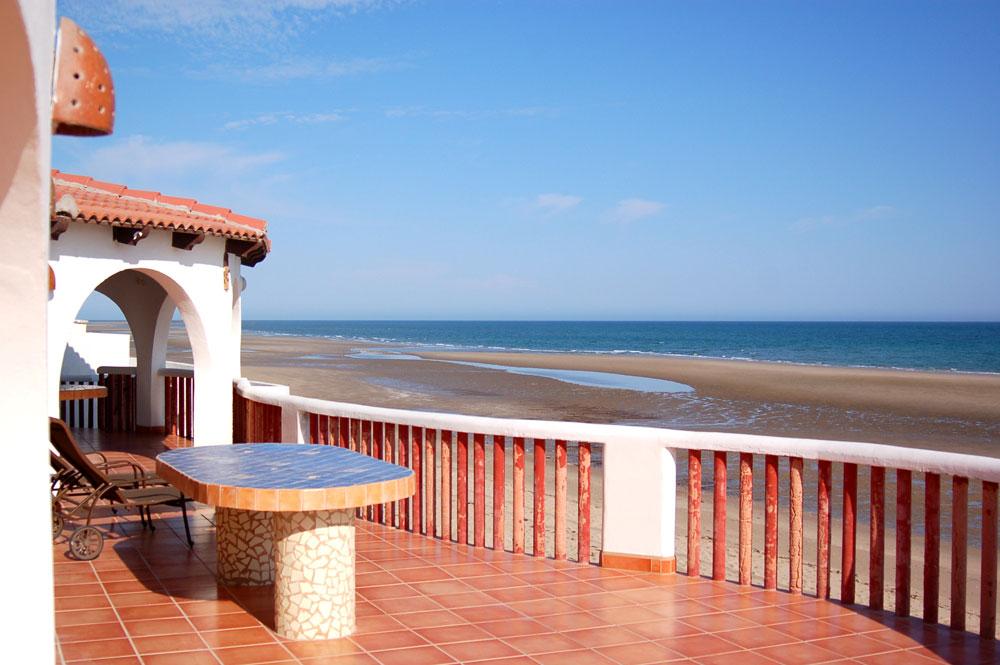 Vivir junto al mar 10 tips para decorar tu casa en la - Muebles para apartamentos de playa ...